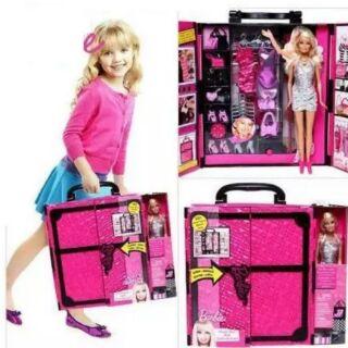 Bộ tủ thời trang Camila với búp bê và trên 30 món thời trang sành điệu