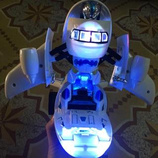 Máy bay biến hình robot loại to có đèn, nhạc