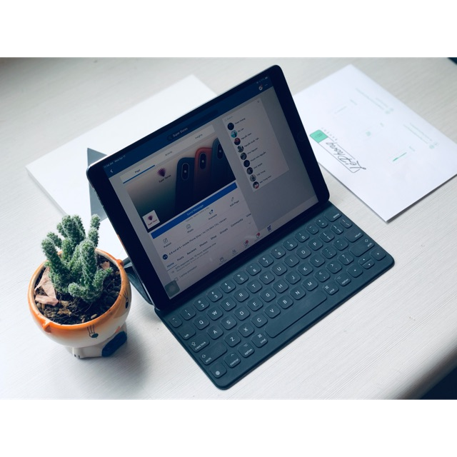 iPad Pro 10.5 Wifi 4G 64gb Màu Grey cùng với Smart keyboard