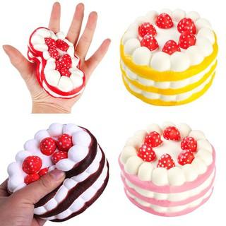 Đồ chơi dẻo hình chiếc bánh kem dâu giúp giảm căng thẳng
