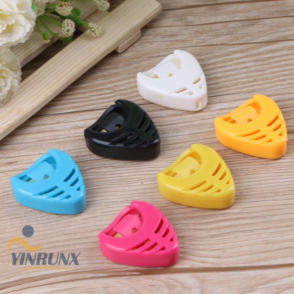♦♦Portable Plastic Heart Shape Guitar Pick Plectrum Holder Case(Random Color)♦♦