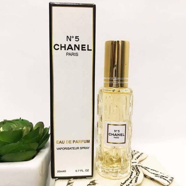 Nước hoa mini  pháp chính  hãng shop đang sale với giá 99k. Mùi thơm sang chảnh sexy quyến rũ. Hàng y hình nhé cả nhà oi