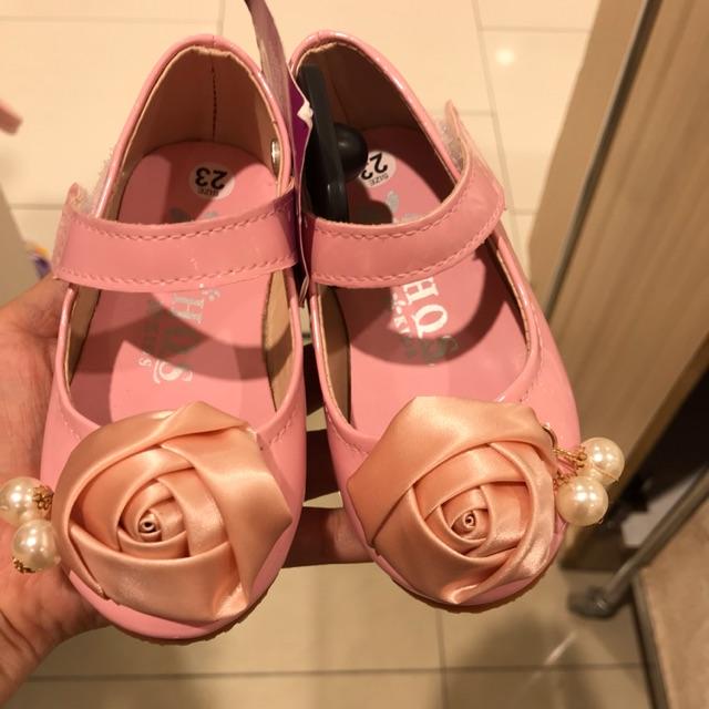 Giày hoa Ngọc t