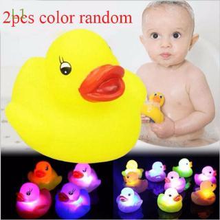 L1 2 Pcs Color Random Bathroom Baby Multi Flashing Auto Rubber Duck