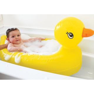 Bể bơi hình vịt con dễ thương cho bé