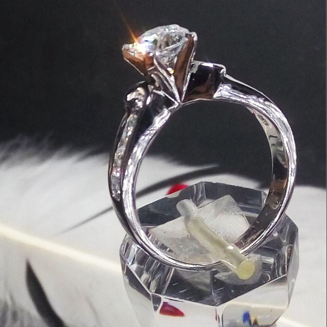 Nhẫn kim cương nhân tạo 6li tấm lùa