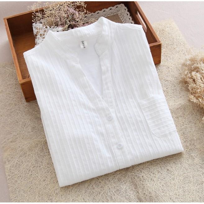 Sơ mi trắng vải thô mềm mát, cổ V, họa tiết sọc, phong cách thanh lịch - 2771942 , 1059500700 , 322_1059500700 , 175000 , So-mi-trang-vai-tho-mem-mat-co-V-hoa-tiet-soc-phong-cach-thanh-lich-322_1059500700 , shopee.vn , Sơ mi trắng vải thô mềm mát, cổ V, họa tiết sọc, phong cách thanh lịch