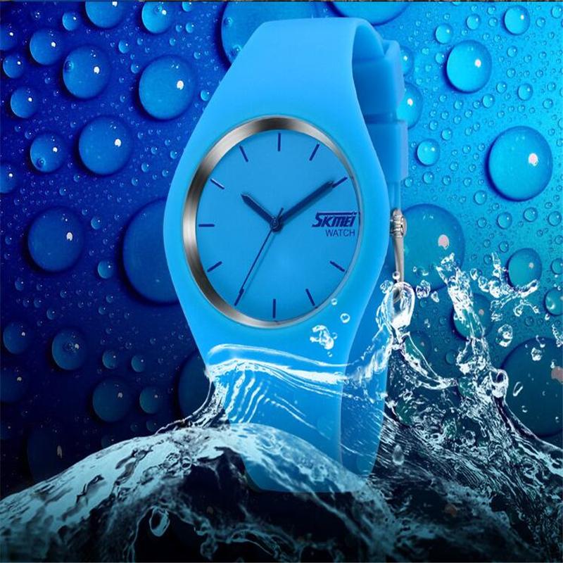 Đồng Hồ Quartz Dây Silicone Chống Thấm Nước