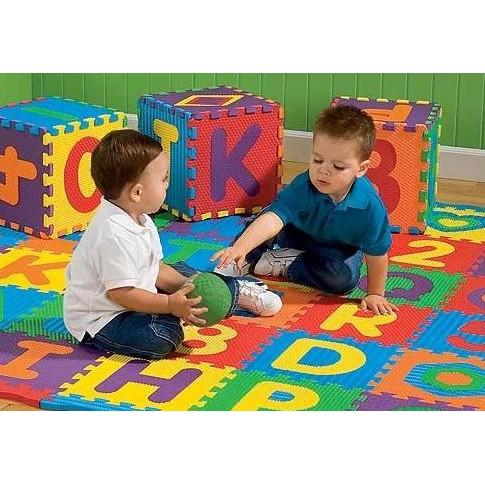 Bộ 26 Tấm Thảm Xốp Lót Sàn Ghép Chữ Cái Cho Bé