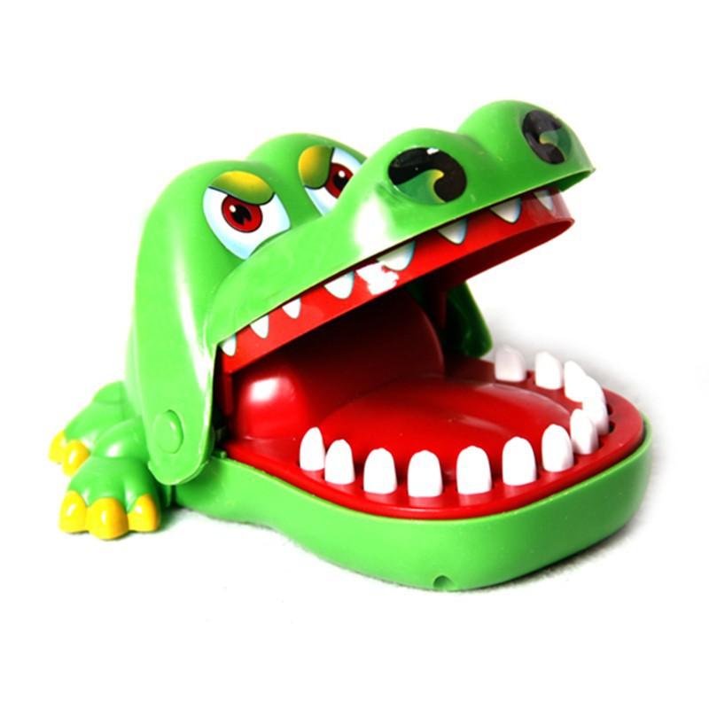_Khám răng cá sấu kẹp tay-miễn phí ship rẻ