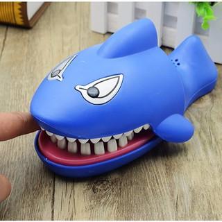 Khám răng cá mập có âm thanh, ánh sáng