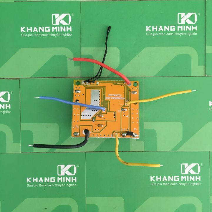 Diod lấy áp chân C+ mạch makita adaptor, chạy máy 3 chân pin