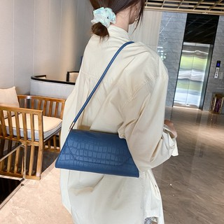 Túi xách đeo vai kiểu dáng Hàn Quốc