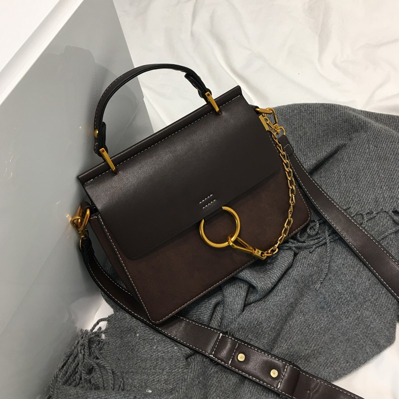 Female bag with square cross style classic