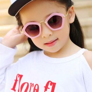 [Tặng kèm túi đựng kính] Kính mát cho bé gái chống tia UV thiết kế sành điệu BBShine K001 thumbnail