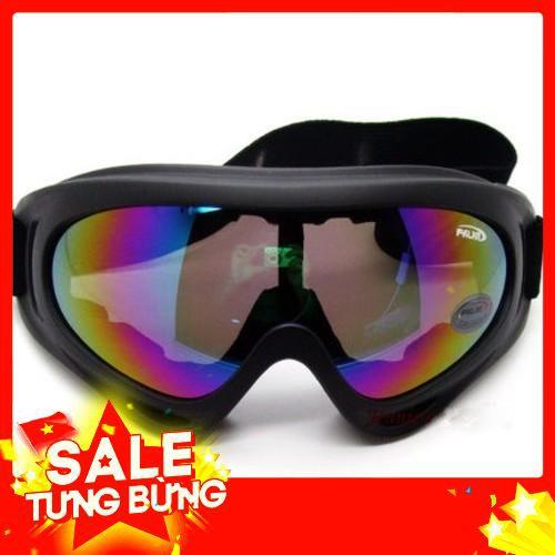 Sale Nón Bảo Hiểm 3/4 Đầu tặng kèm gậy chụp hình và kính UV Freeship
