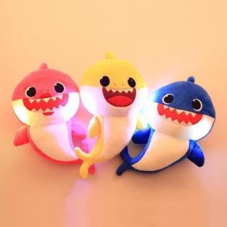 Đồ chơi nhồi bông hình chú cá mập dễ thương cho bé