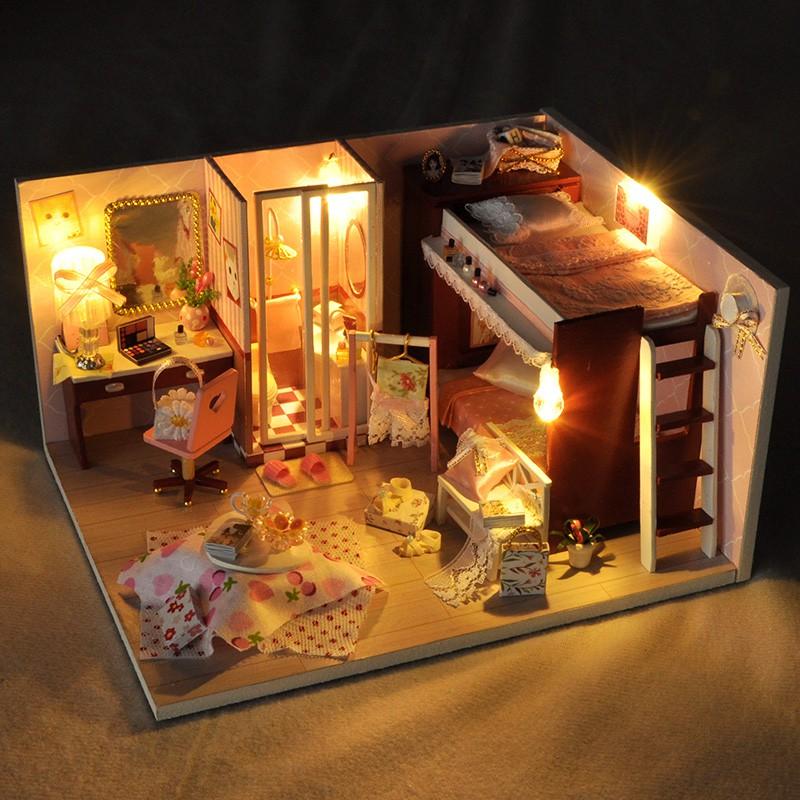 Mô hình nhà gỗ búp bê tự lắp ráp với nội thất cho trẻ  TW34