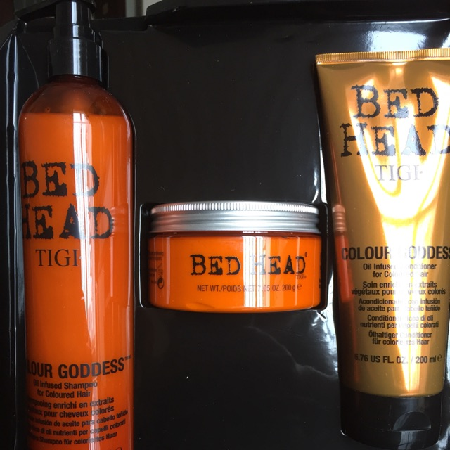 Set TIGI Bed Head Colour Goddess Oil-Infused Shampoo dành cho tóc nhuộm