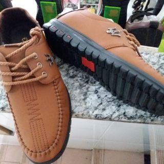Giày mọi nam giá rẻ bất ngờ