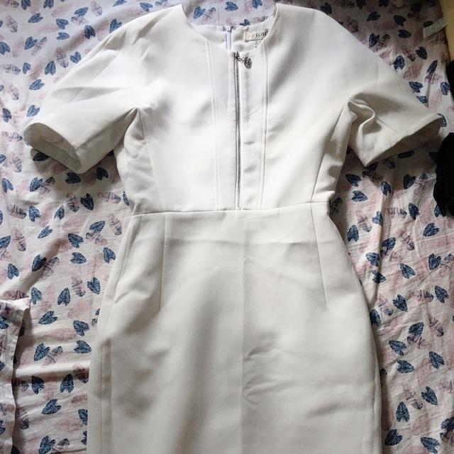 Váy trắng elise