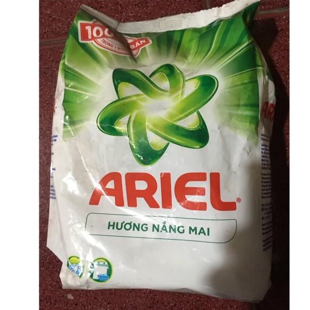 Bột giặt Ariel hương Nắng mai 800g