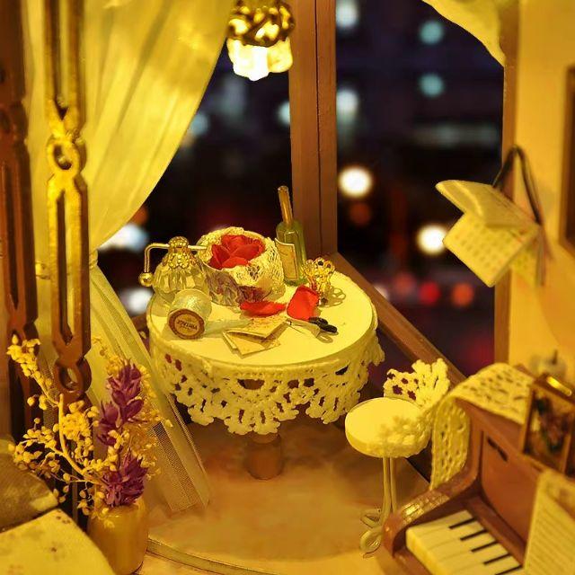 Mô hình nhà gỗ búp bê Dollhouse DIY - Kèm Mica - TW26 Flower Color