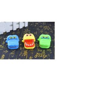 Móc khóa khám răng cá sấu mini