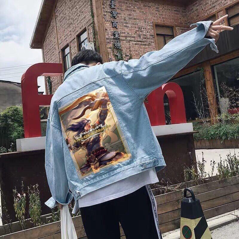 Áo khoác jean nam in hình lưng
