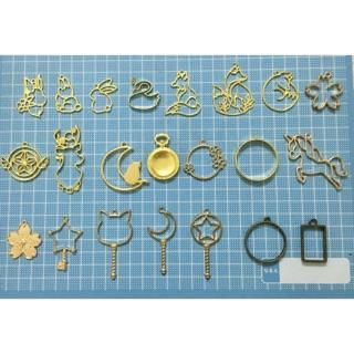 [CÓ SẴN] Khung kim loại rỗng đổ resin