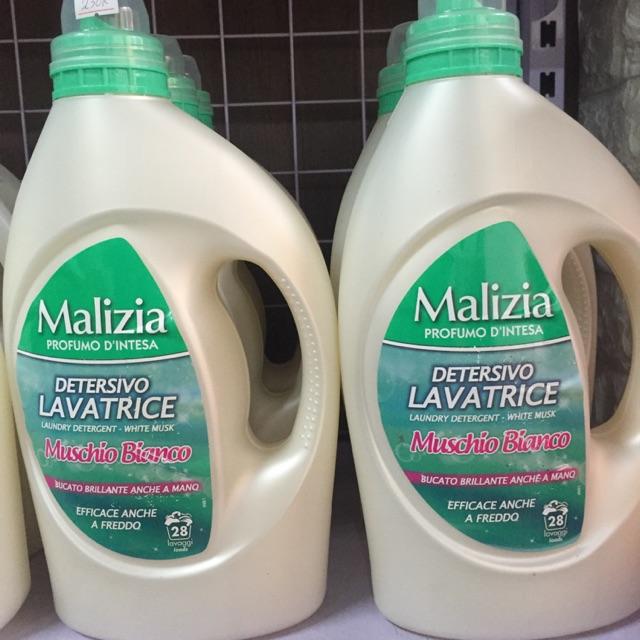 Nước giặt Malizia Ý