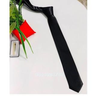 Cà Vạt Nam Bản Nhỏ 5cm – Cà Vạt Chụp Kỷ Yếu- Bán Buôn