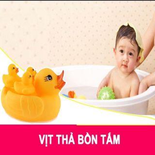 Vịt thả bồn tắm( gồm 1 vịt mẹ và 3 vịt con)