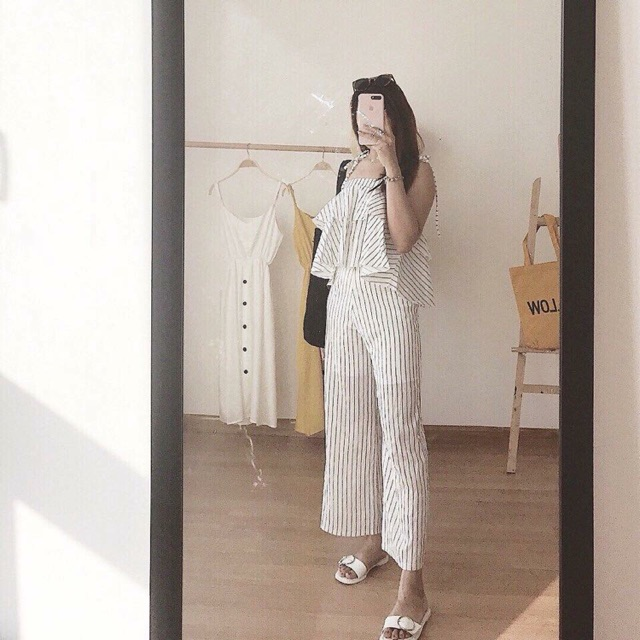 Jumpsuit sọc 2 dây tầng peplum