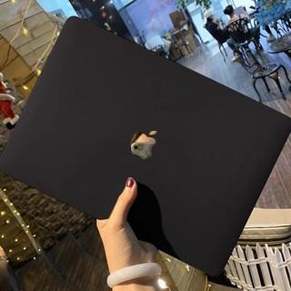 Case ,Ốp Macbook Màu Đen Đủ Dòng (Tặng Kèm Nút Chống Bụi + Bộ kẹp chống gãy sạc)