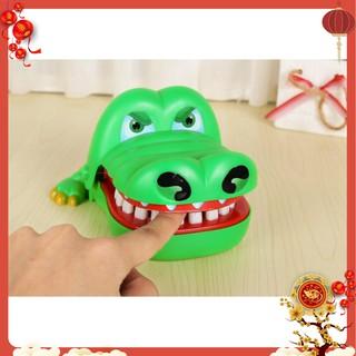 Đồ chơi khám răng cá sấu cắn tay loại to cho bé