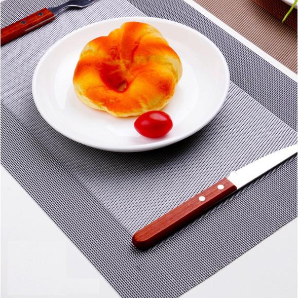 Tấm lót bàn ăn viền màu