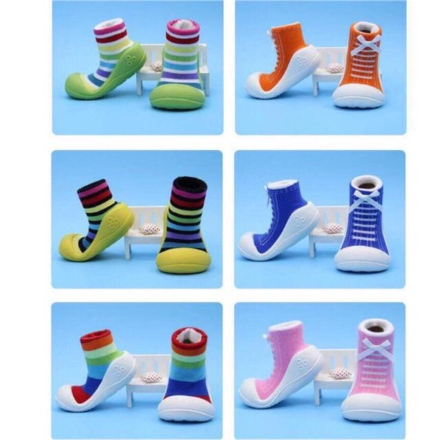 Giày tập đi đế nhựa cổ cao chống trượt xịn cho bé trai/ bé gái ( nhiều màu)