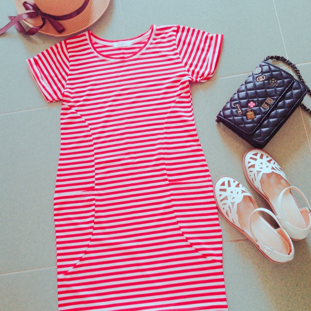 Đầm sọc thun đỏ