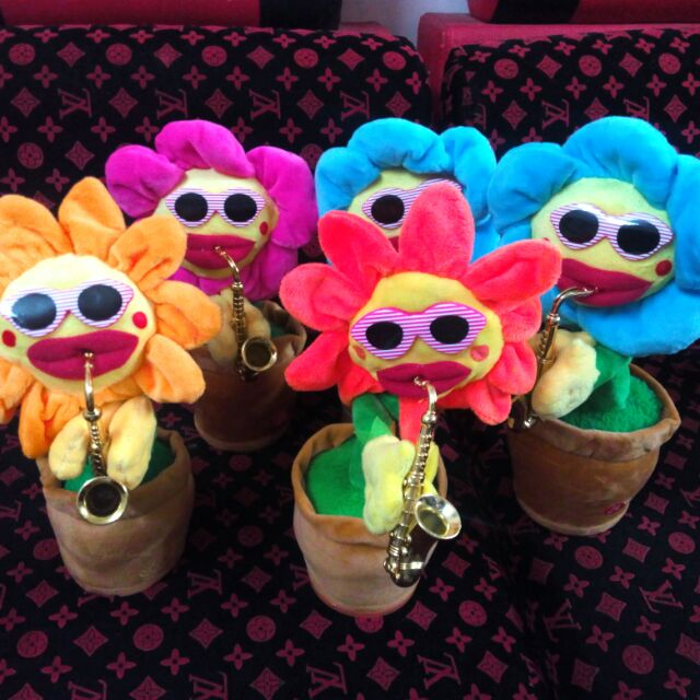 [ SỈ-xả hàng]combo 4 hoa uốn éo + 1 BLUETOOTH hoa uốn éo – Hoa hướng dương thổi kèo lắc lư theo nhạc