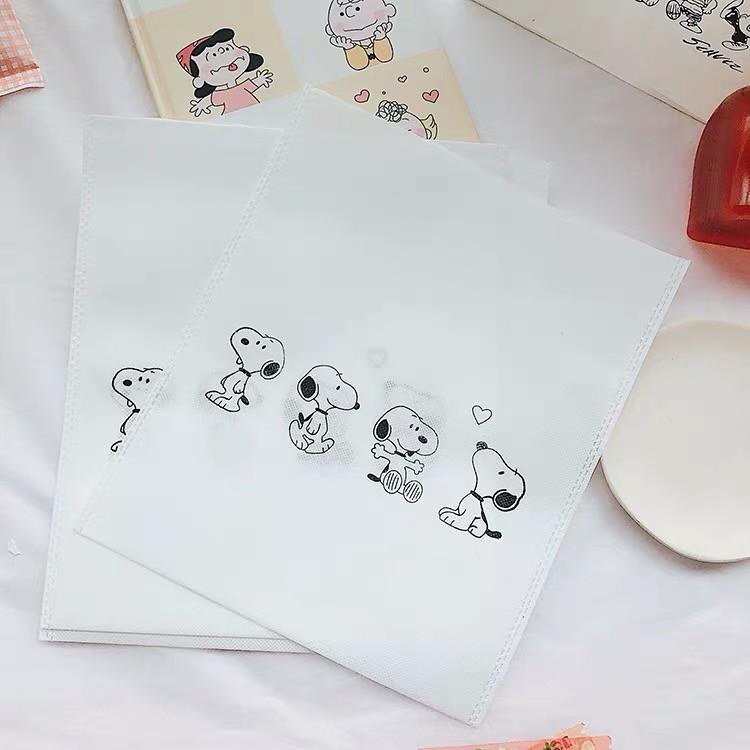 Túi Đeo Chéo Họa Tiết Hoạt Hình Snoopy Đáng Yêu