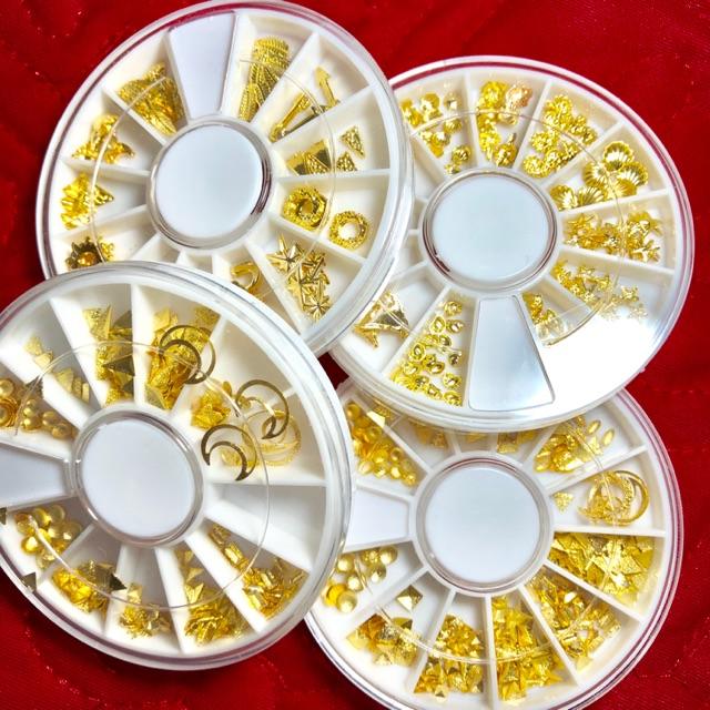 Kim loại mạ vàng trang trí móng ( khay tròn )