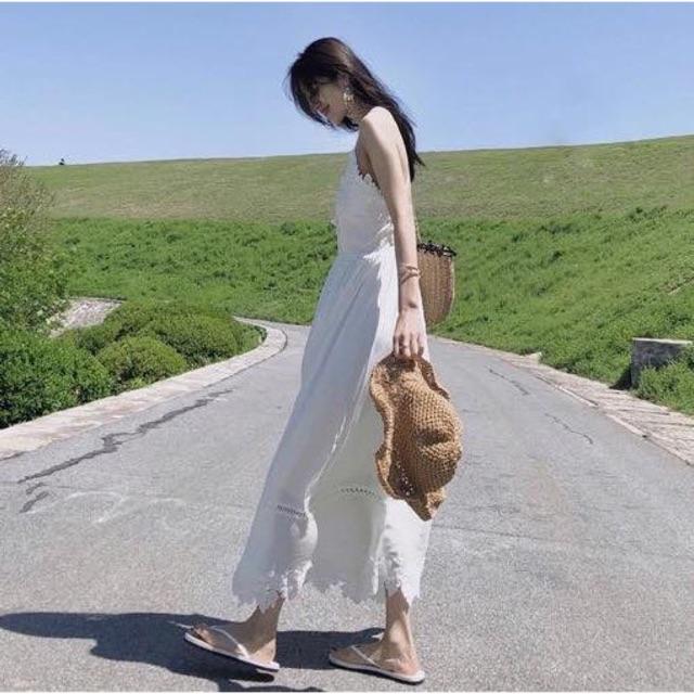 Váy maxi hai dây ren trắng