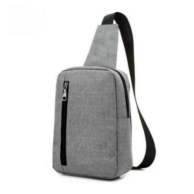 Túi đeo chéo mang phong cách thời trang và năng động