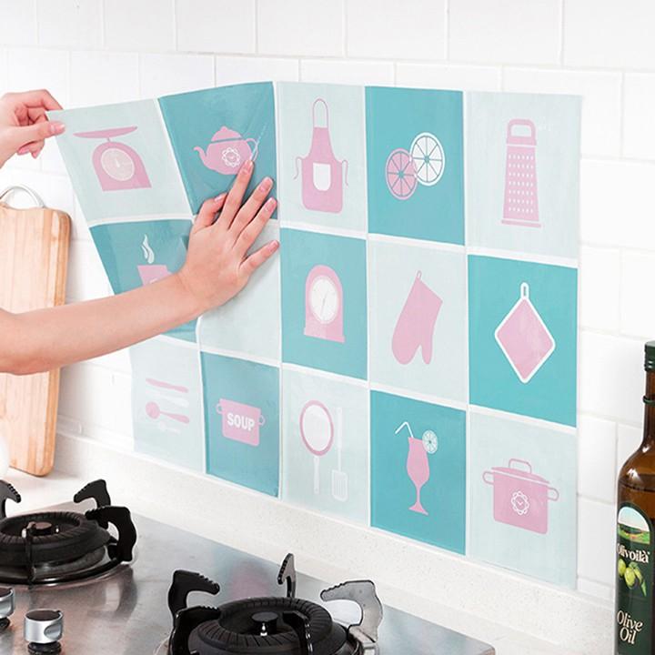 Giấy dán bếp cách nhiệt chống dầu mỡ, Decal dán bếp tráng nhôm chống nước cao cấp AA