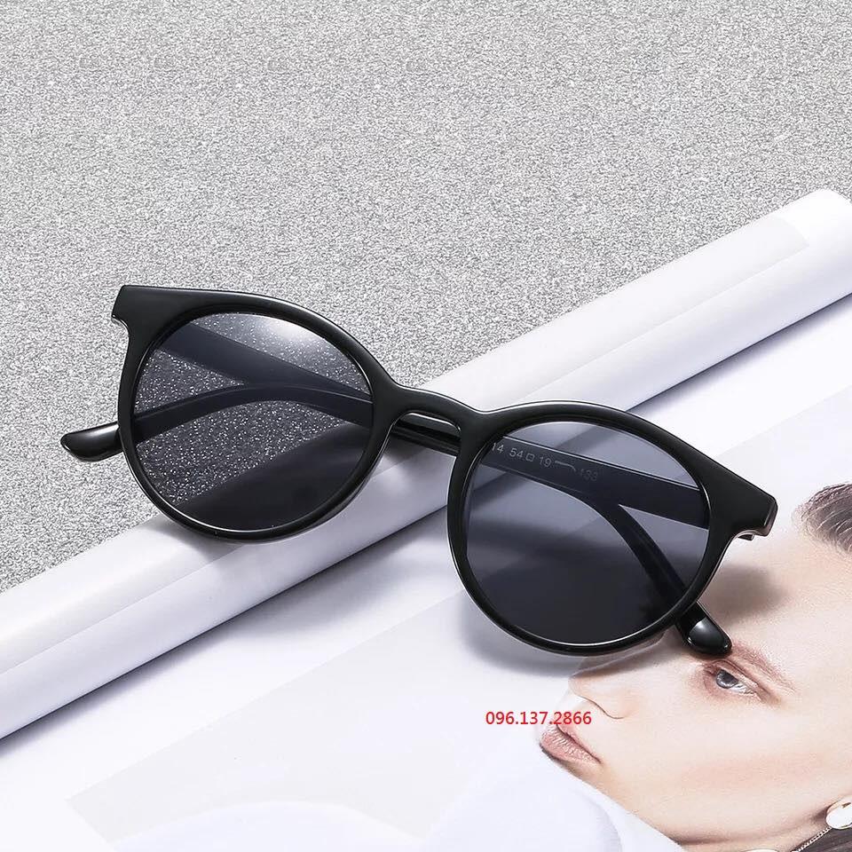 ( thaohoangthu) Kính mát thời trang nữ màu đen hiện đại trẻ trung - 15131816 , 2360049604 , 322_2360049604 , 24000 , -thaohoangthu-Kinh-mat-thoi-trang-nu-mau-den-hien-dai-tre-trung-322_2360049604 , shopee.vn , ( thaohoangthu) Kính mát thời trang nữ màu đen hiện đại trẻ trung