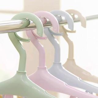Móc treo quần áo đa năng 8 kẹp (mầu giao ngẫu nhiên)