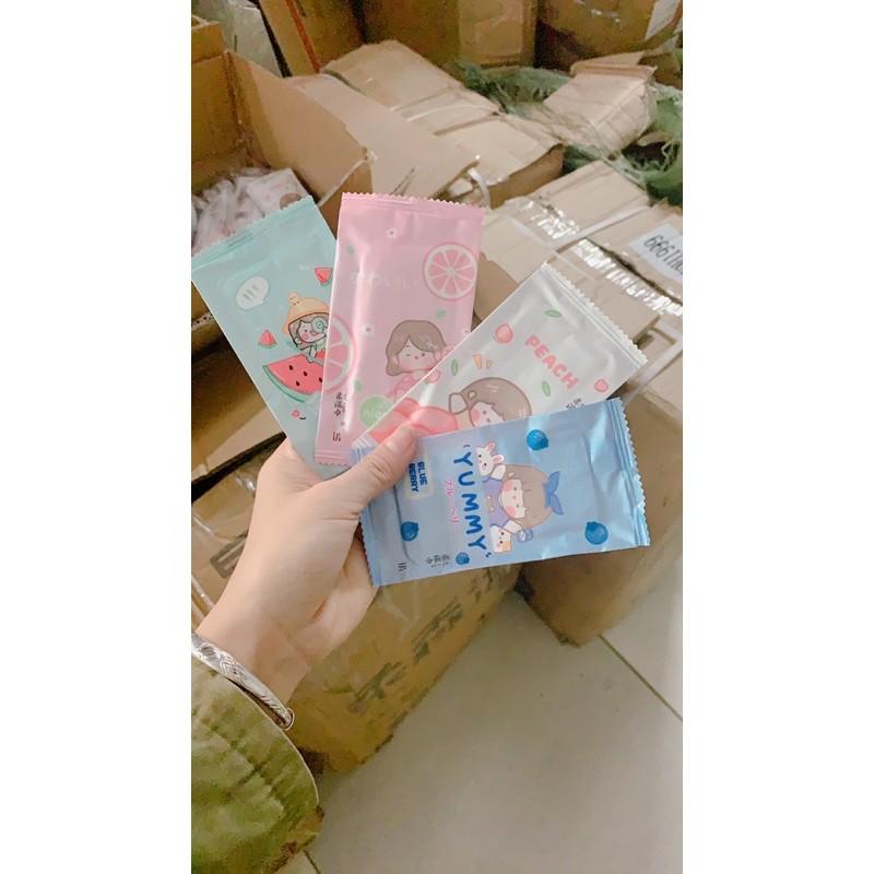 1 Bịch khăn ướt (10 gói) sỉ từ 700 đồng