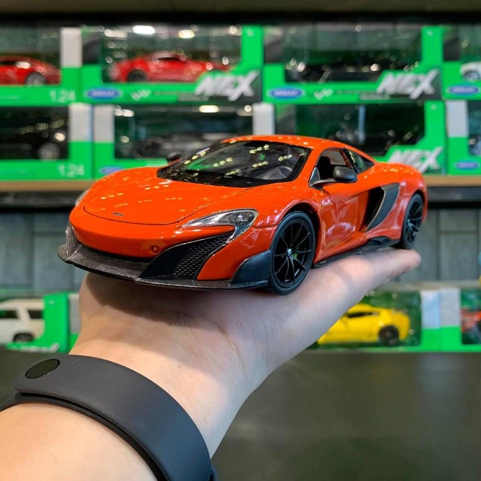 Xe mô hình trưng bày McLaren 675LT tỉ lệ 1:24 hãng Welly màu Cam