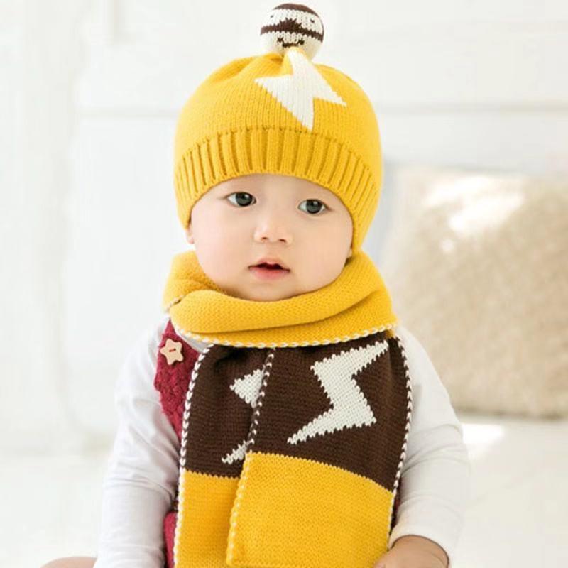 Set mũ len kèm khăn ống mặt cười len đan